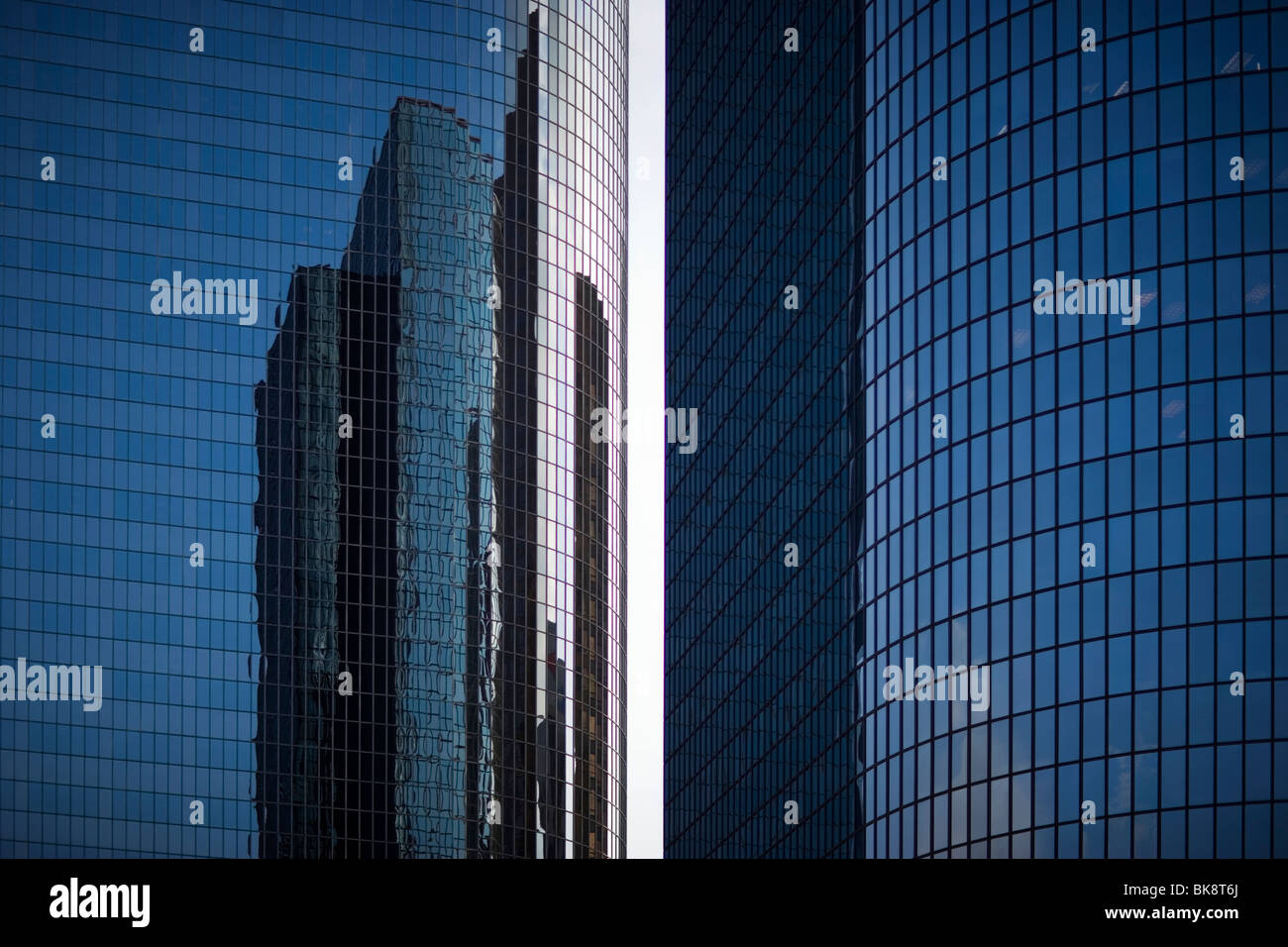 USA, California, Los Angeles, windows reflecting office buildings in downtown - Stock Image