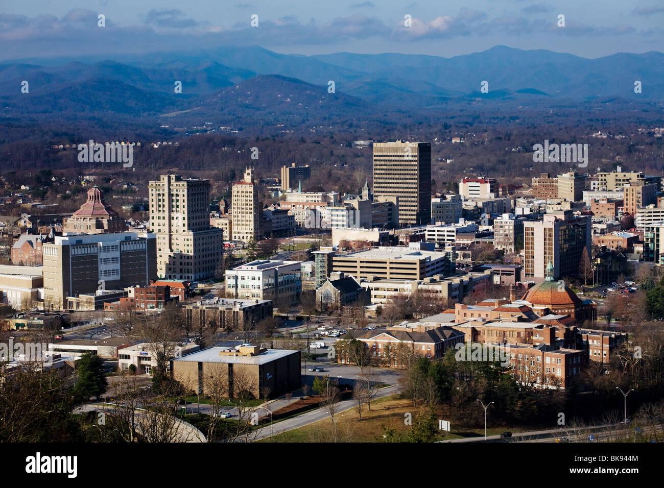 Asheville, North Carolina, nestled in the Blue Ridge Mountains - Stock Image