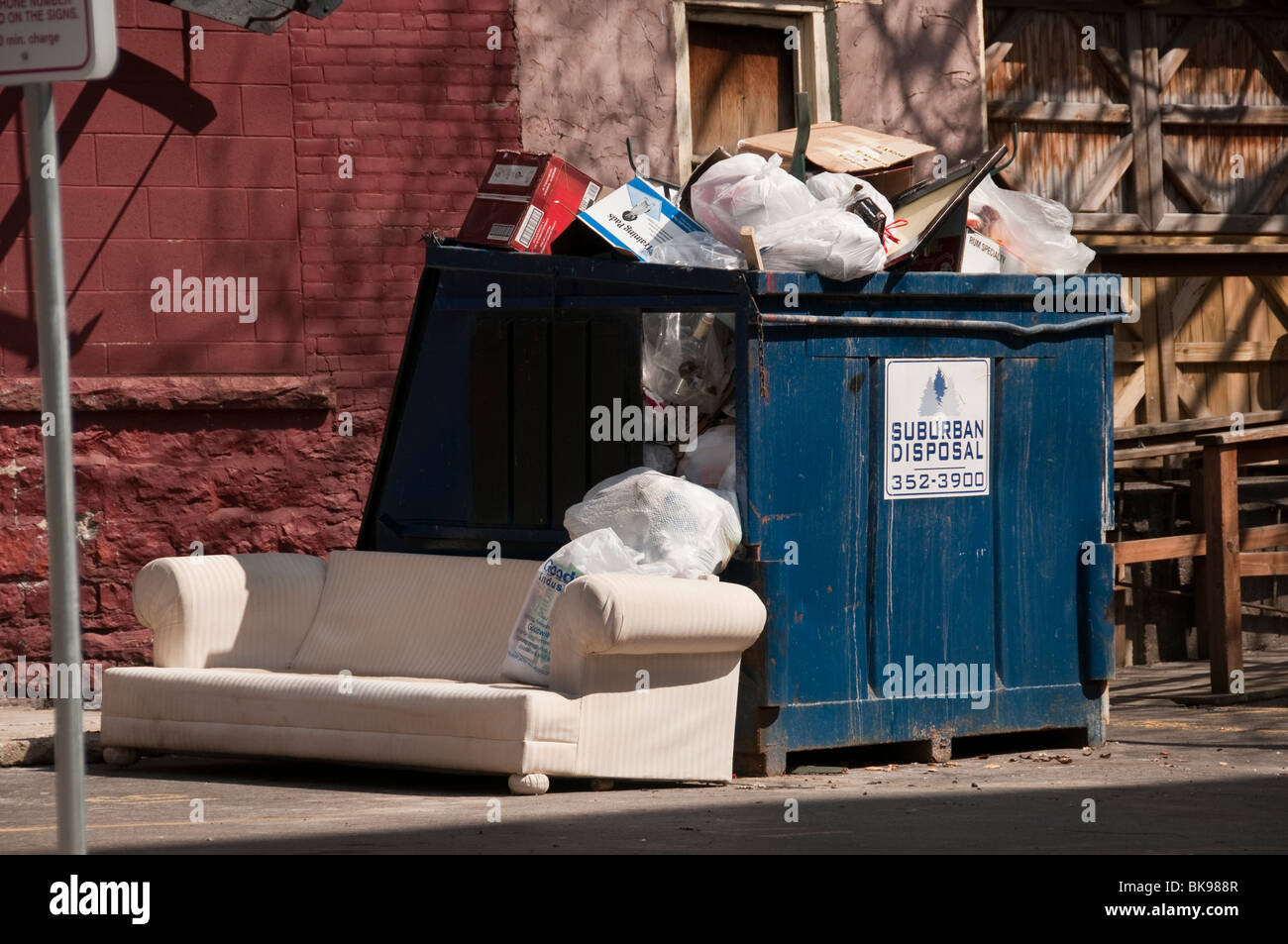 Trash Dumpster Behind Office Building Stock Photo 29092919 Alamy