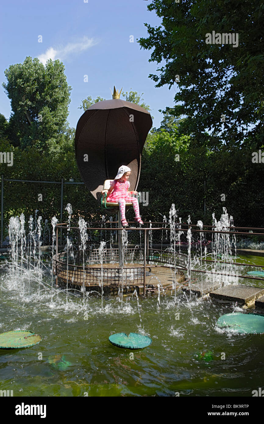 Girl sitting in a fountain, Flourishing Baroque, Fairy-Tale Garden, Ludwigsburg Palace, Ludwigsburg, Baden-Wurttemberg, - Stock Image