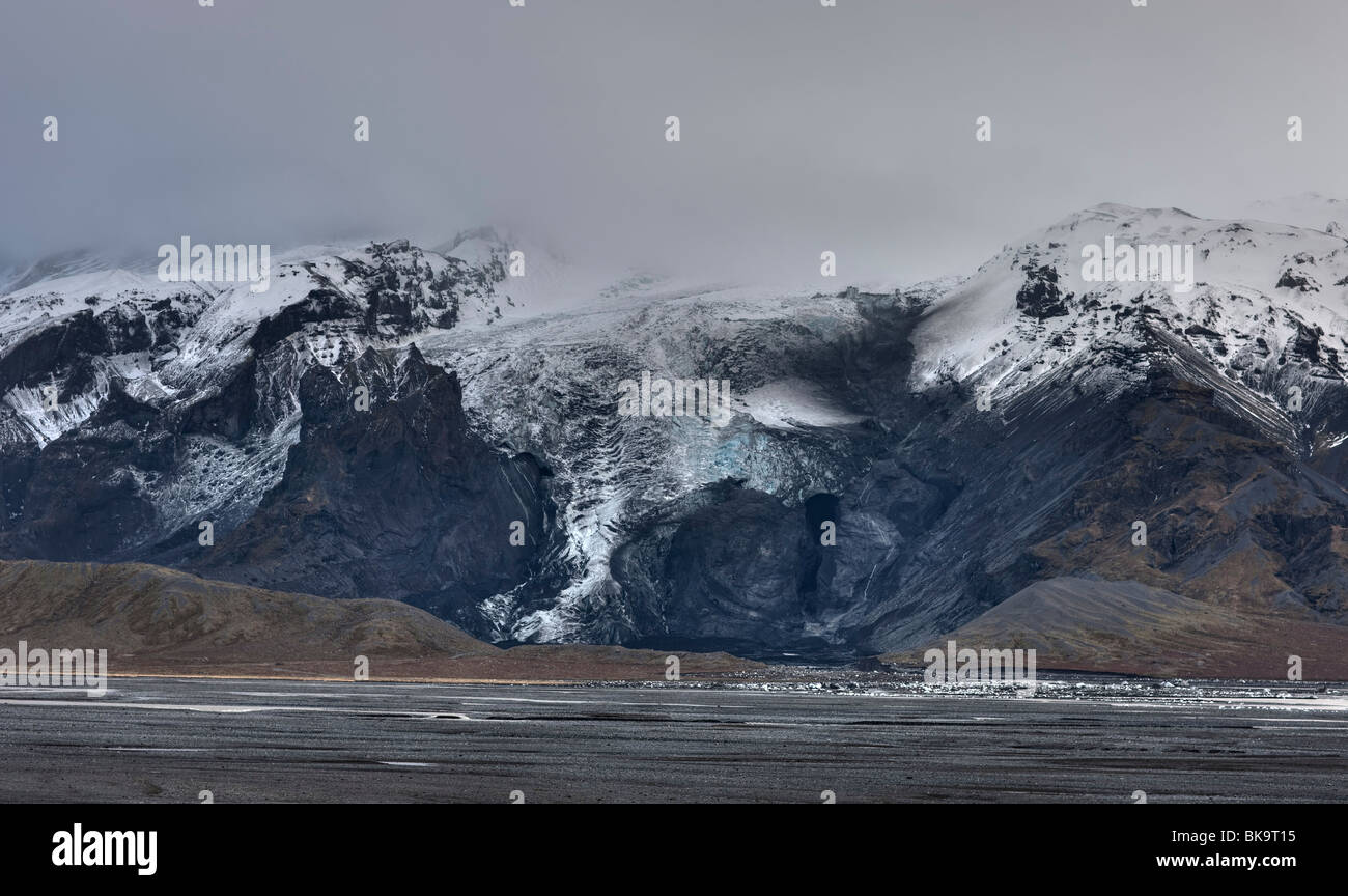 Gigjokull in Eyjafjallajokull, the ice cave after the flood that came under the ice in the volcanic eruption - Stock Image