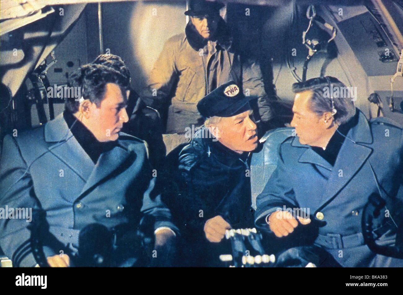 AIRPORT (1970) BURT LANCASTER, GEORGE KENNEDY COCKPIT, PILOTS, HEADSET AIPT 005 - Stock Image