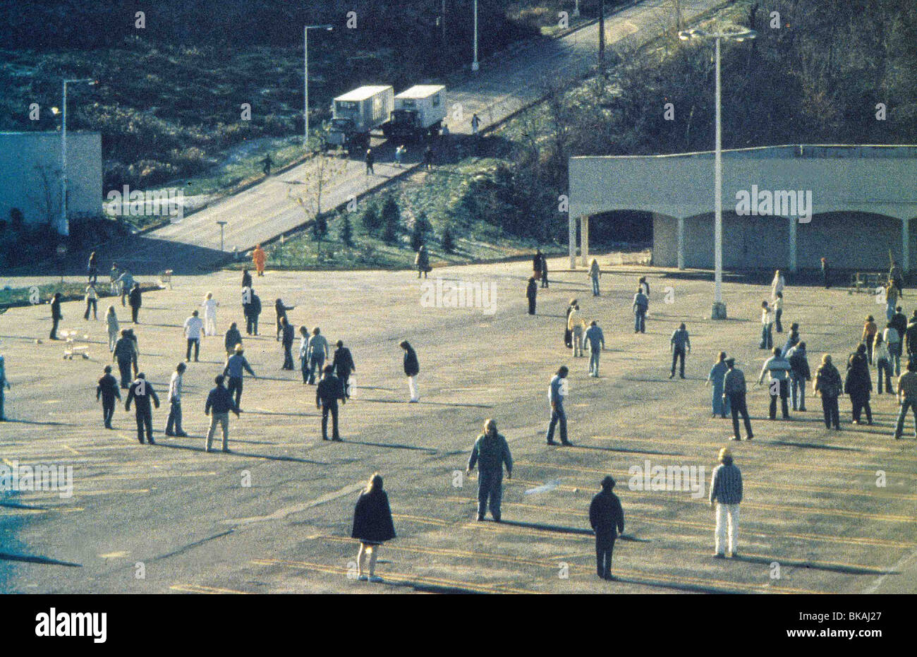 DAWN OF THE DEAD (1978) ZOMBIE (ALT) DODE 005 - Stock Image
