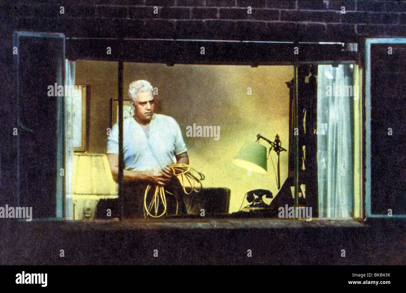REAR WINDOW -1954 RAYMOND BURR - Stock Image