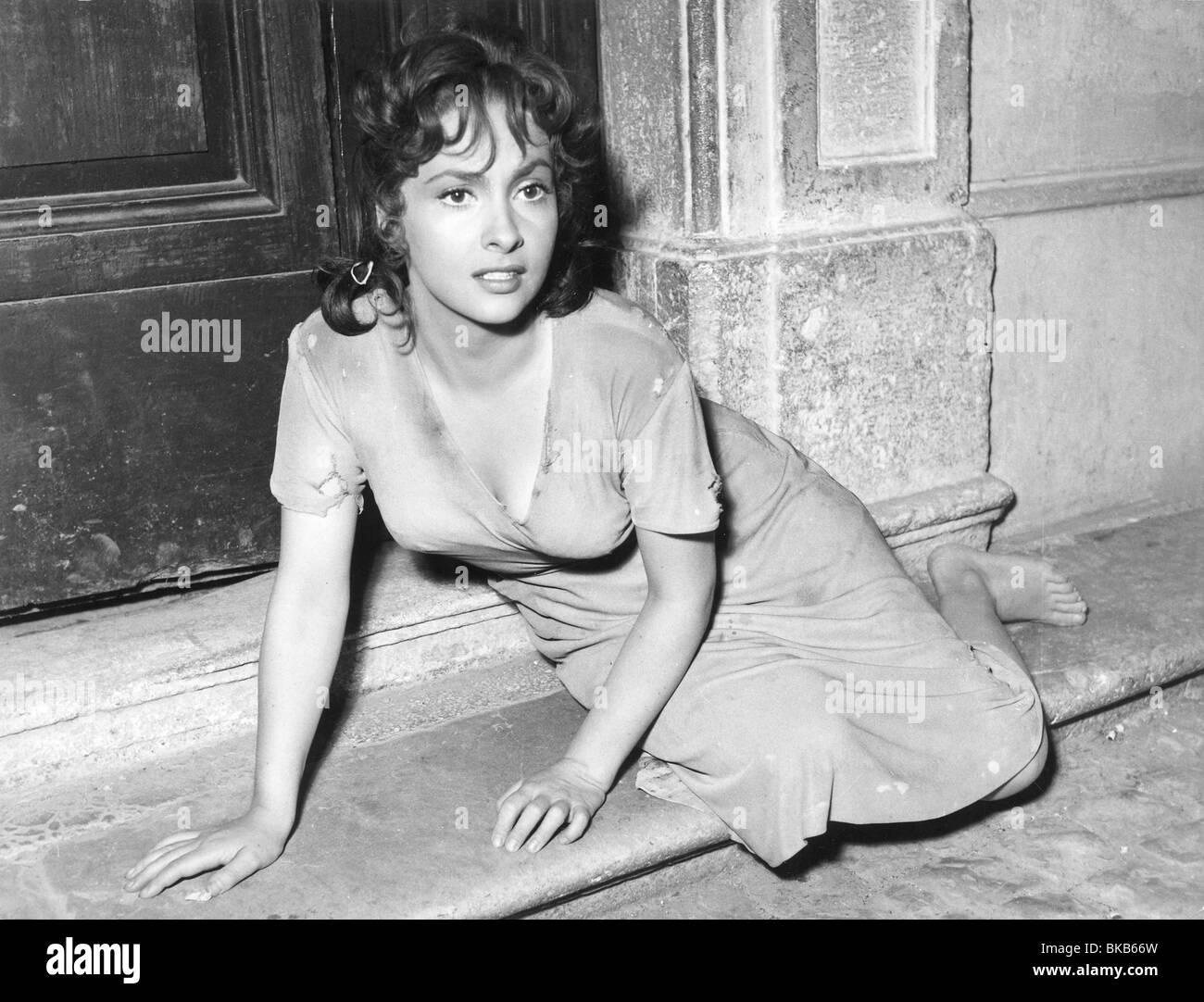 Pane, amore e fantasia  Year : 1953 Director : Luigi Comencini Gina Lollobrigida - Stock Image