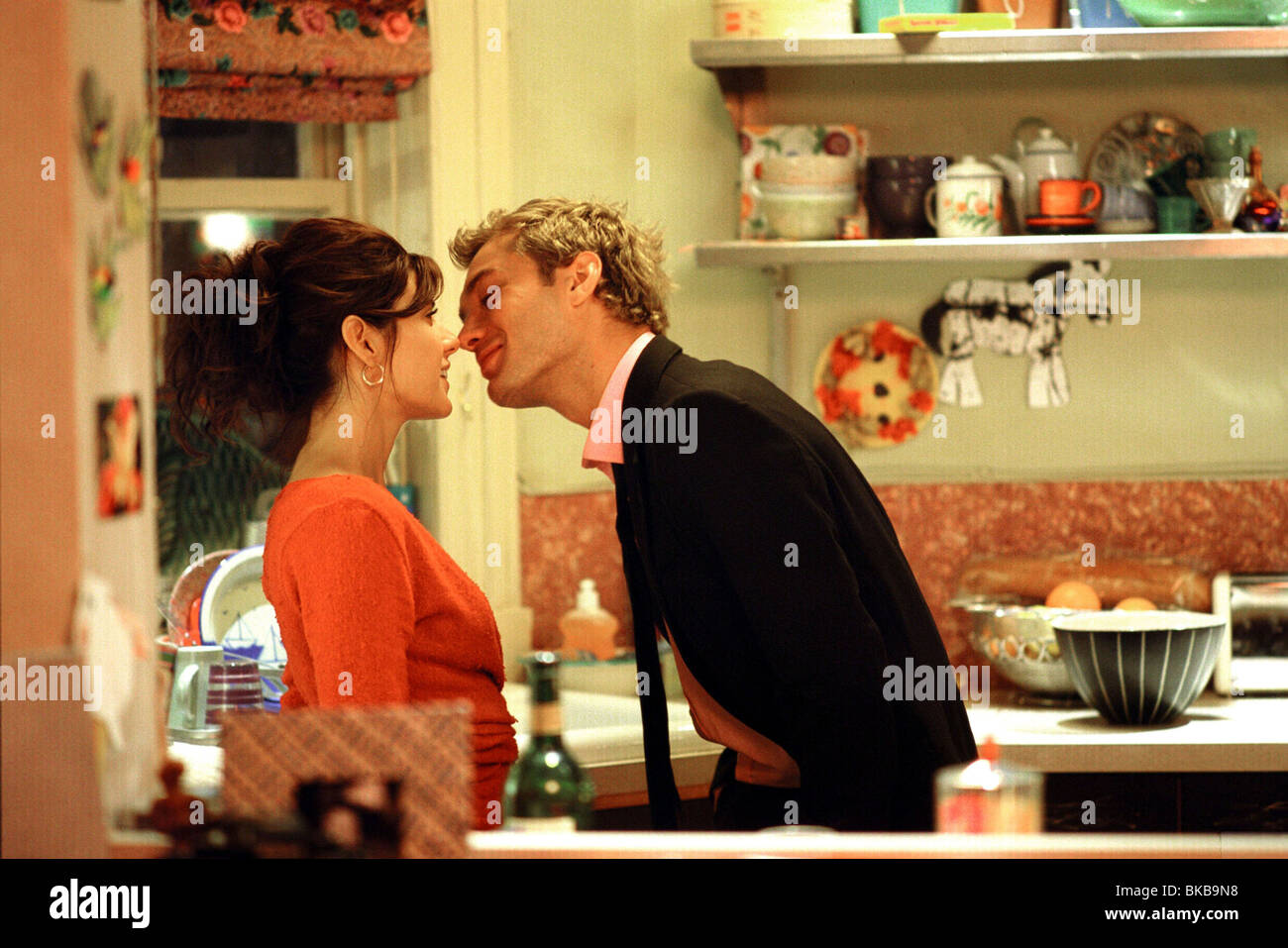 Alfie Year : 2004 Director : Charles Shyer Marisa Tomei, Jude Law Stock Photo