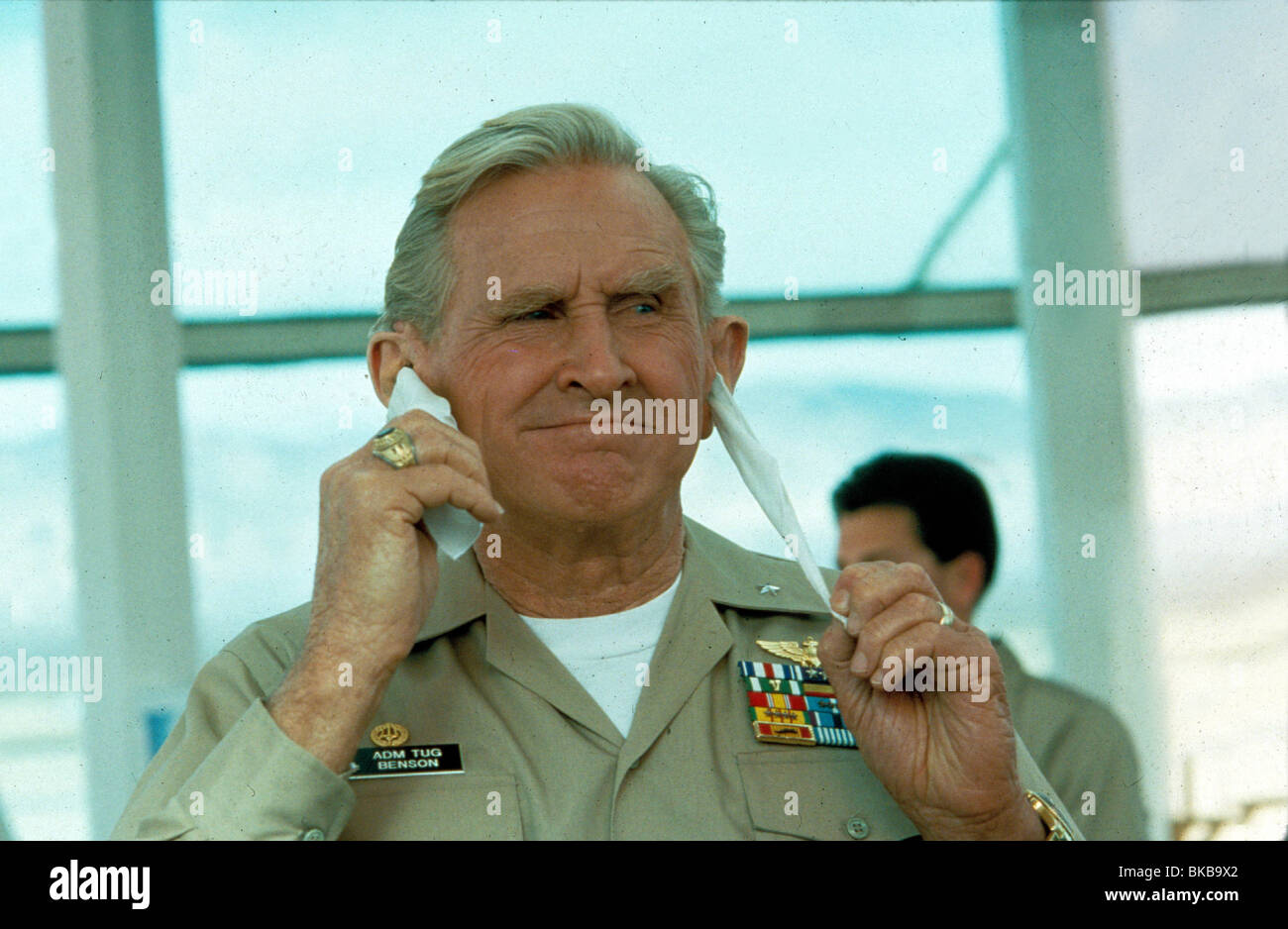 HOT SHOTS -1991 LLOYD BRIDGES - Stock Image