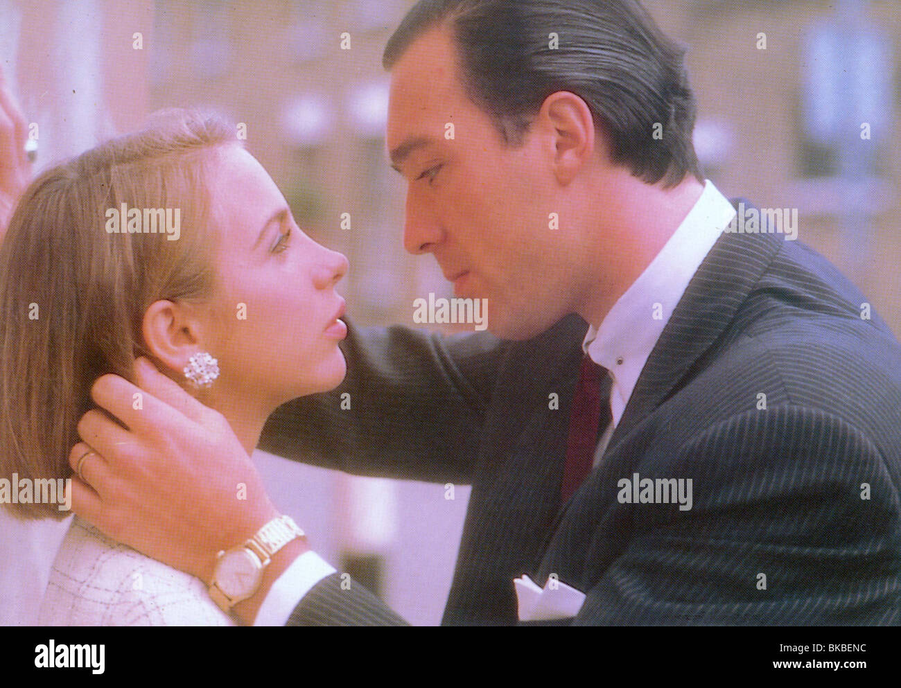 THE KRAYS (1990) KATE HARDIE, MARTIN KEMP KRY 001FOH - Stock Image