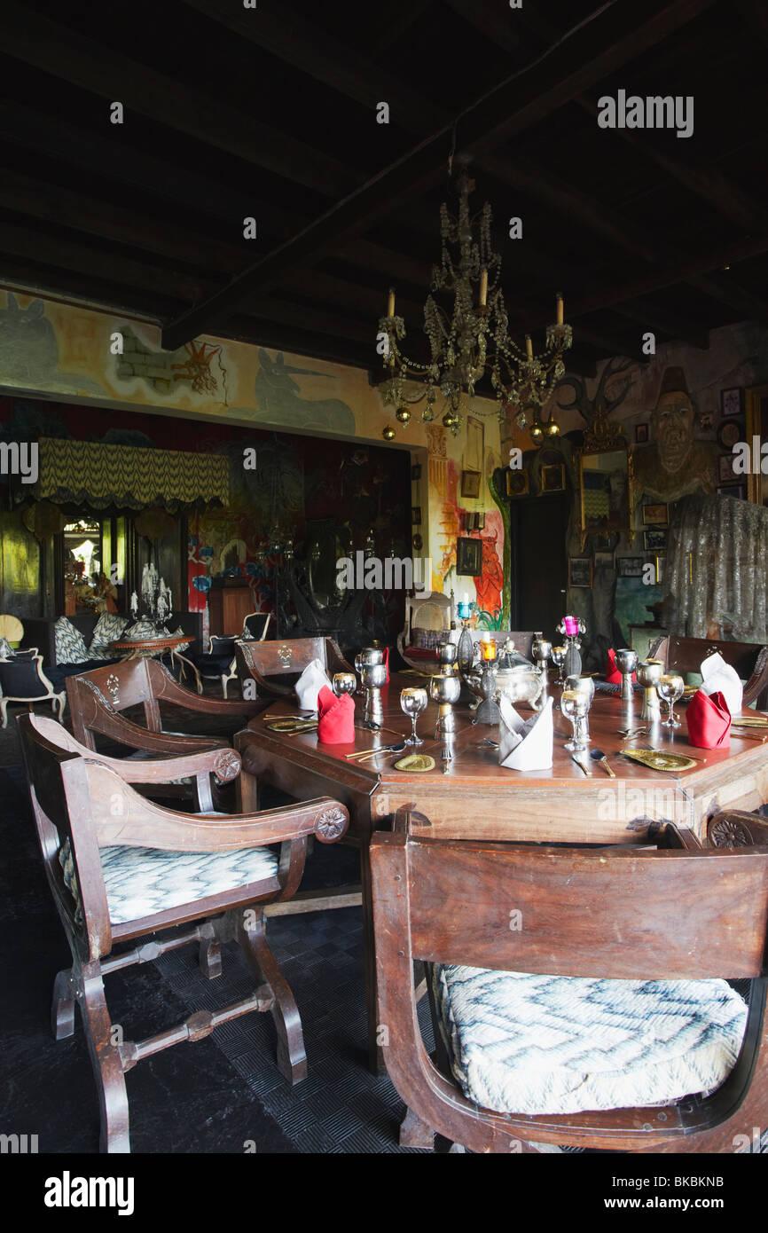 Dining room in Helga's Folly Hotel, Kandy, Sri Lanka - Stock Image