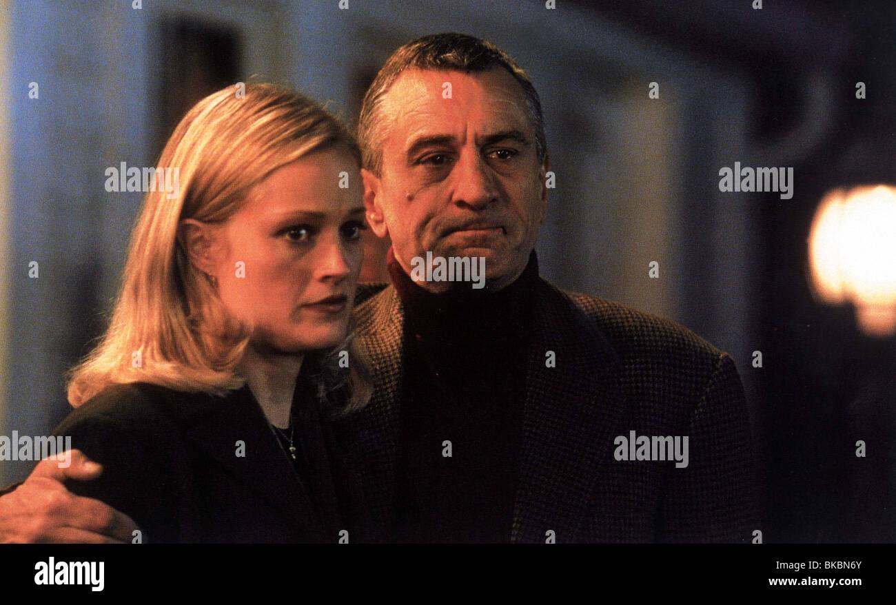 MEET THE PARENTS (2000) TERI POLO, ROBERT DE NIRO MEET 007FOH - Stock Image