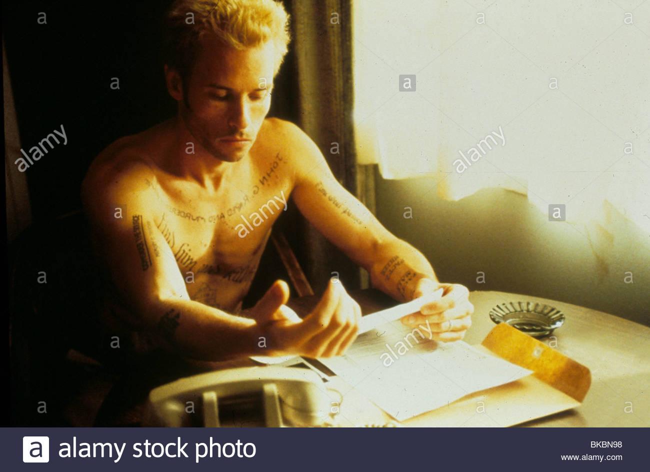 MEMENTO -2000 GUY PEARCE - Stock Image