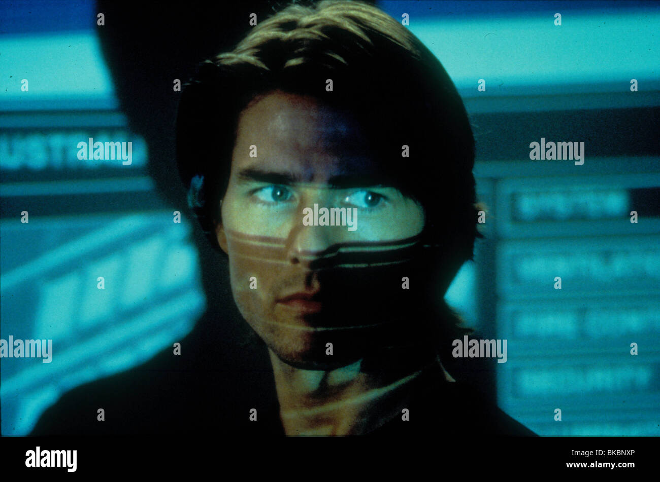 MISSION IMPOSSIBLE 2 (2000) TOM CRUISE MIS2 146 - Stock Image