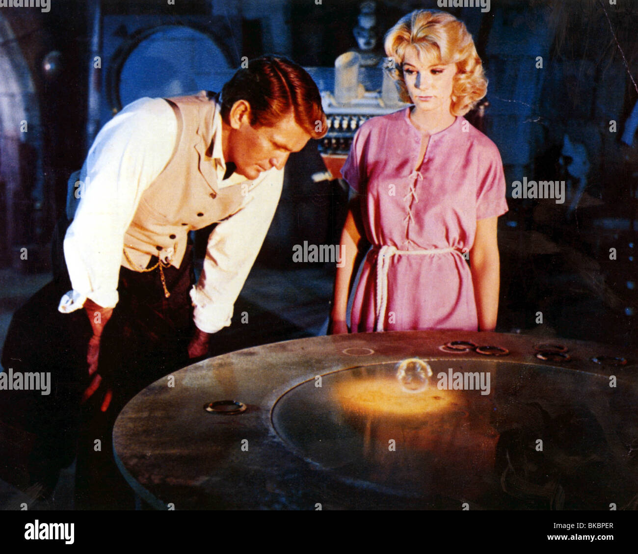 2637a4ea02 THE TIME MACHINE (1960) ROD TAYLOR, YVETTE MIMIEUX TIME 005CP Stock ...