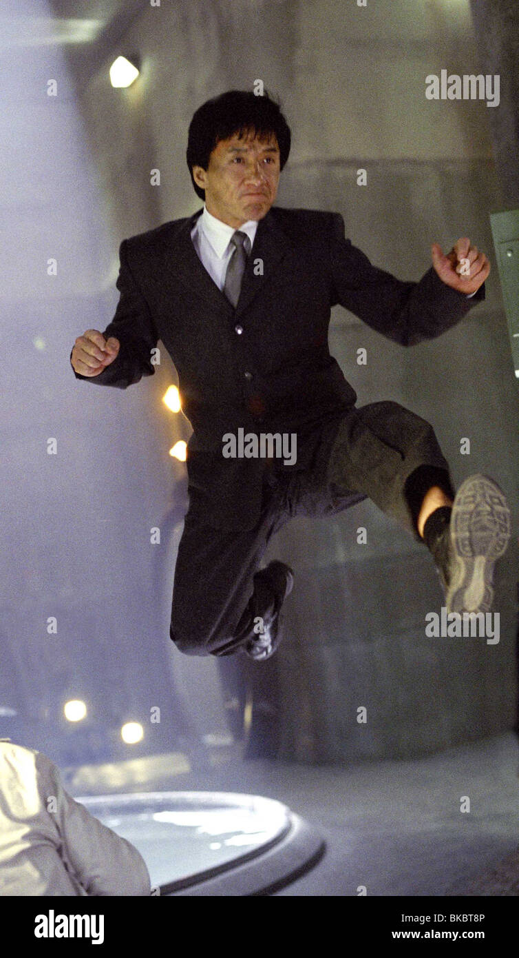 THE TUXEDO (2002) JACKIE CHAN TUX 001 21R - Stock Image