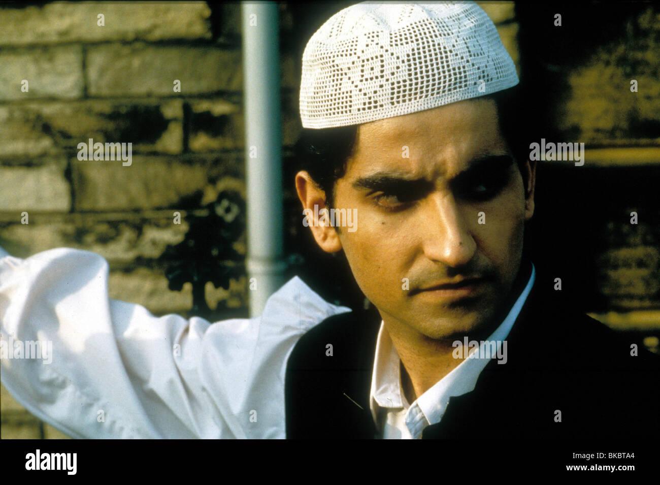 MY SON THE FANATIC (1998) FARID AKBAR KURTHA MSON 005 - Stock Image