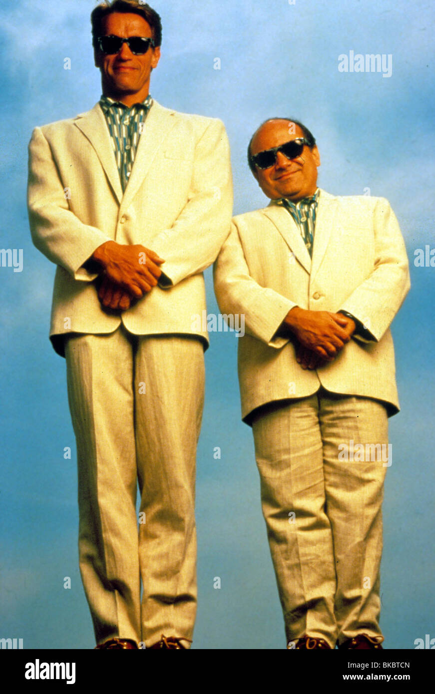 Twins 1988 Arnold Schwarzenegger Danny Devito Tws 023 Stock Photo Alamy