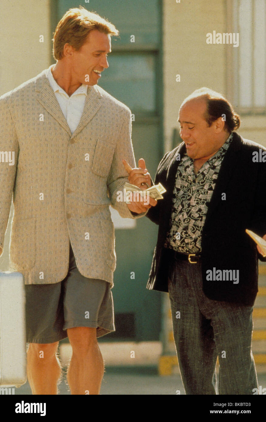 Twins 1988 Arnold Schwarzenegger Danny Devito Tws 076 Stock Photo Alamy