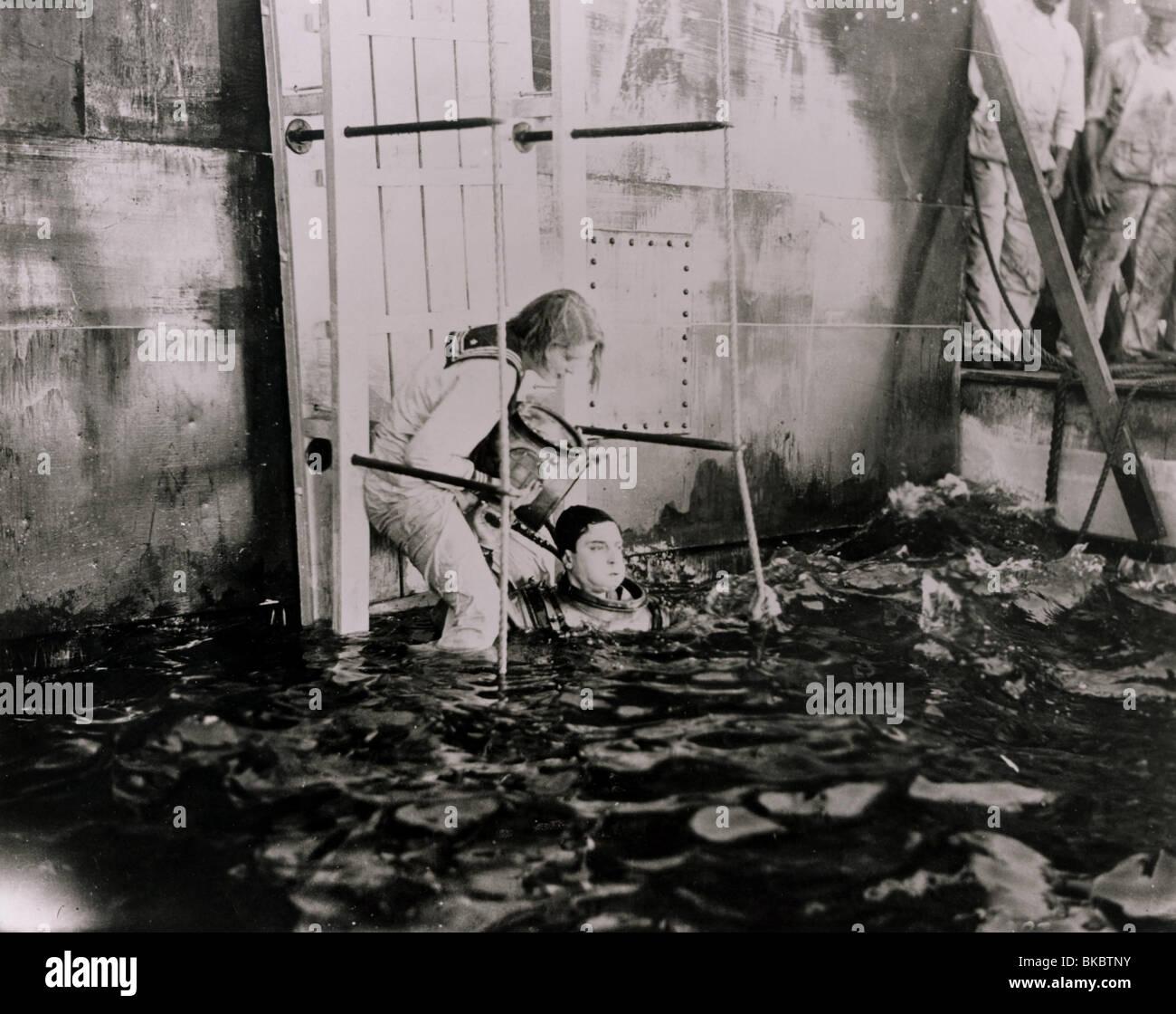 THE NAVIGATOR (1924) BUSTER KEATON NAVG 006P - Stock Image