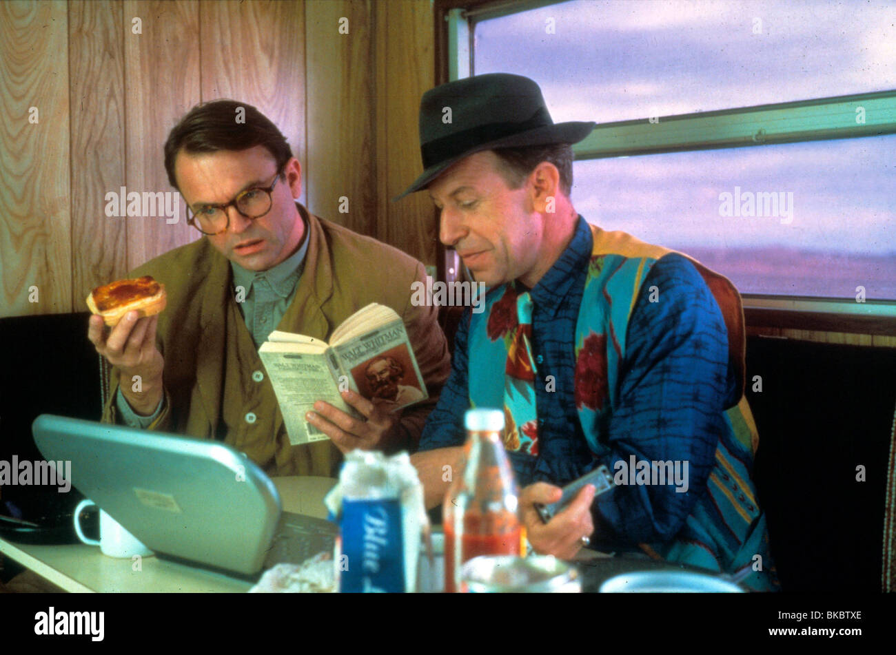 UNTIL THE END OF THE WORLD (1991) SAM NEILL UEOW 001 - Stock Image