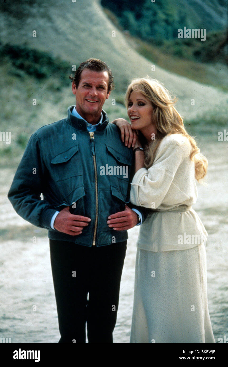 A View From The Beach 17 Will Get You 20: A VIEW TO A KILL (1985) ROGER MOORE, TANYA ROBERTS CREDIT