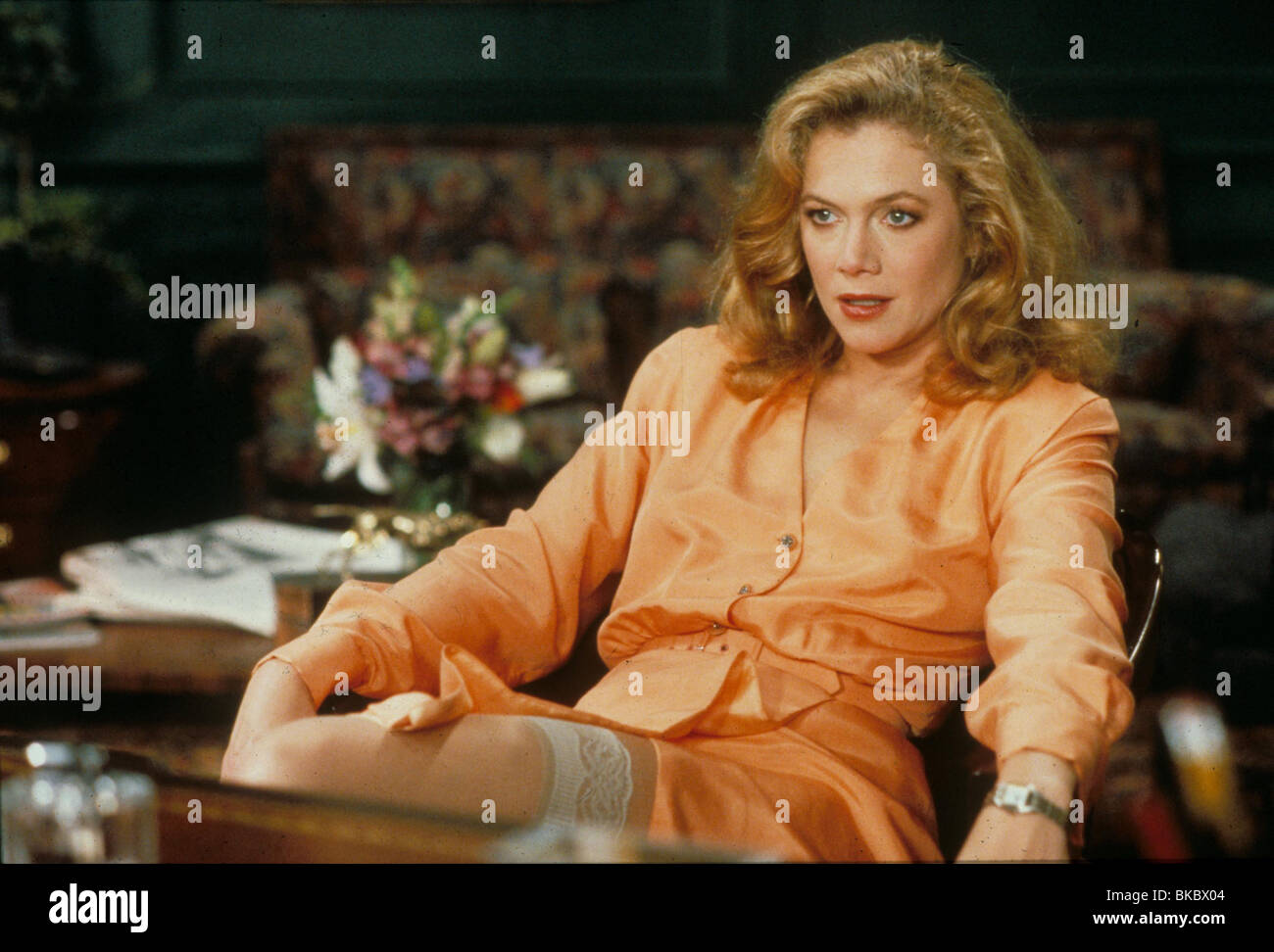 THE WAR OF THE ROSES (1989) KATHLEEN TURNER WOR 004 - Stock Image