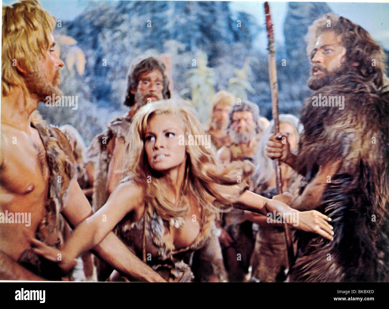 ONE MILLION YEARS BC RAQUEL WELCH,JOHN RICHARDSON - Stock Image