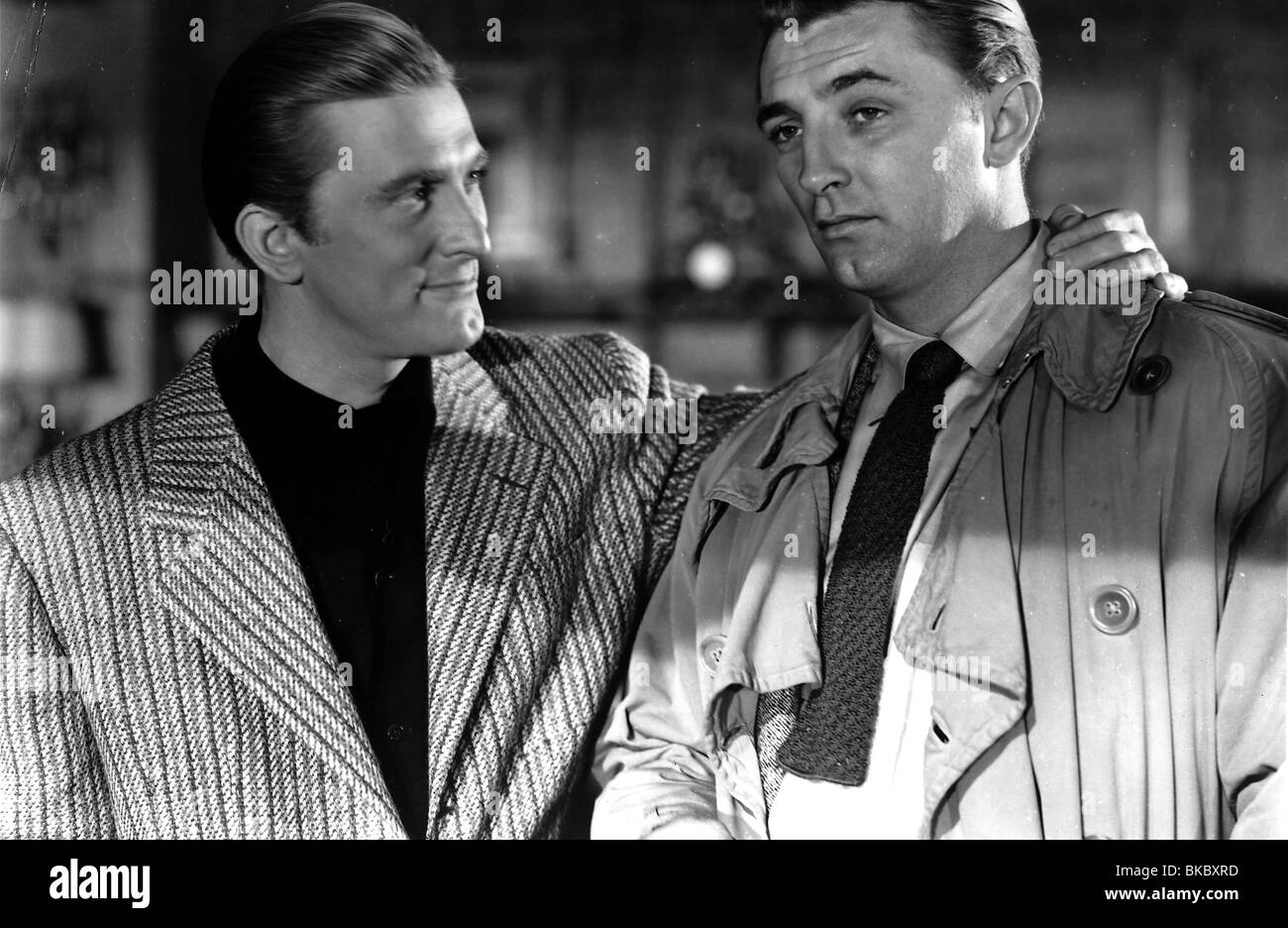 OUT OF THE PAST (1947) BUILD MY GALLOWS HIGH (ALT) KIRK DOUGLAS, ROBERT MITCHUM OOTP 006P - Stock Image