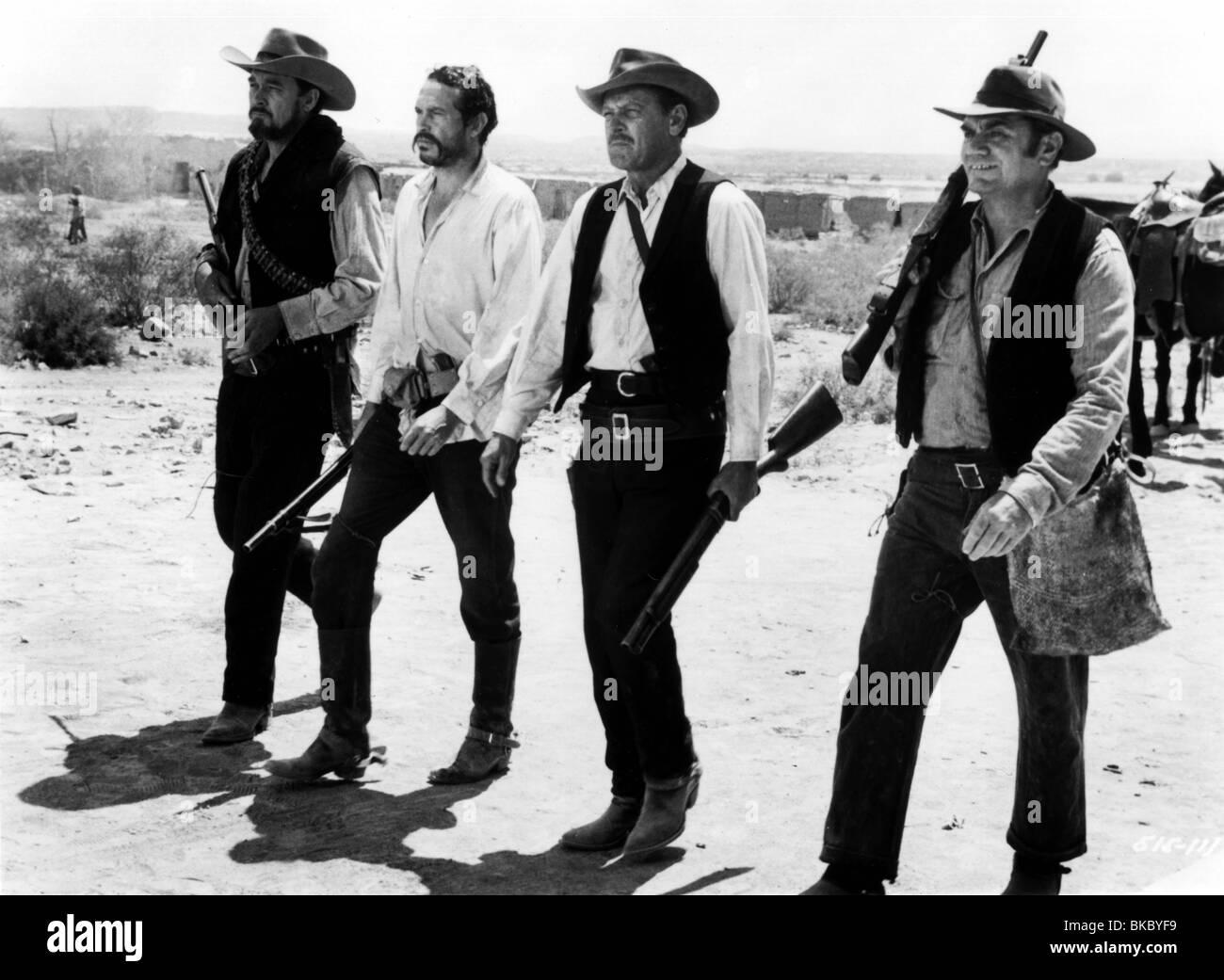 THE WILD BUNCH (1969) BEN JOHNSON, WARREN OATES, WILLIAM HOLDEN, ERNEST BORGNINE TWBU 009 P - Stock Image