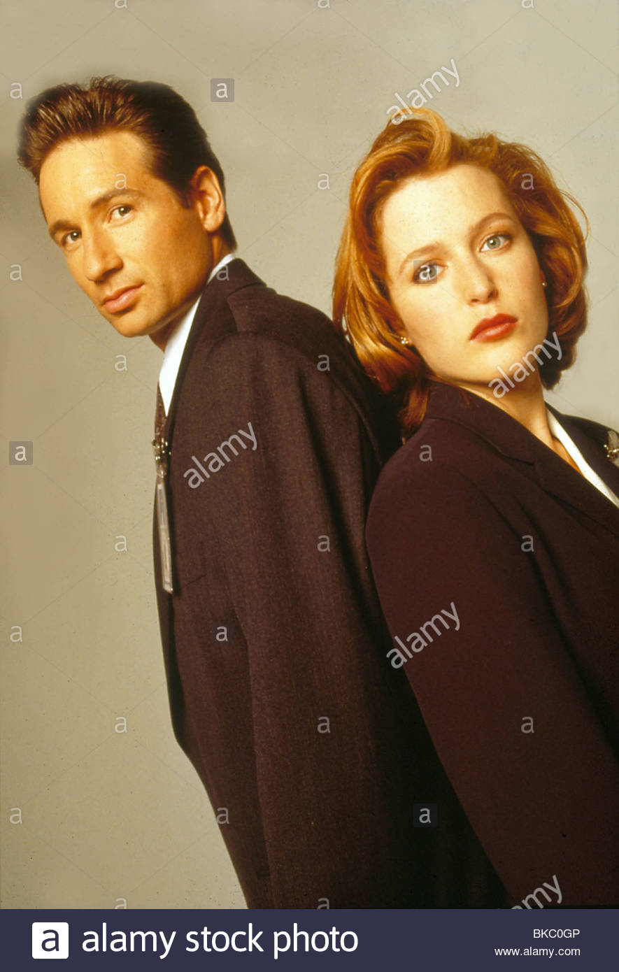 THE X-FILES (TV) GILLIAN ANDERSON, DAVID DUCHOVNY XFIL 310 - Stock Image