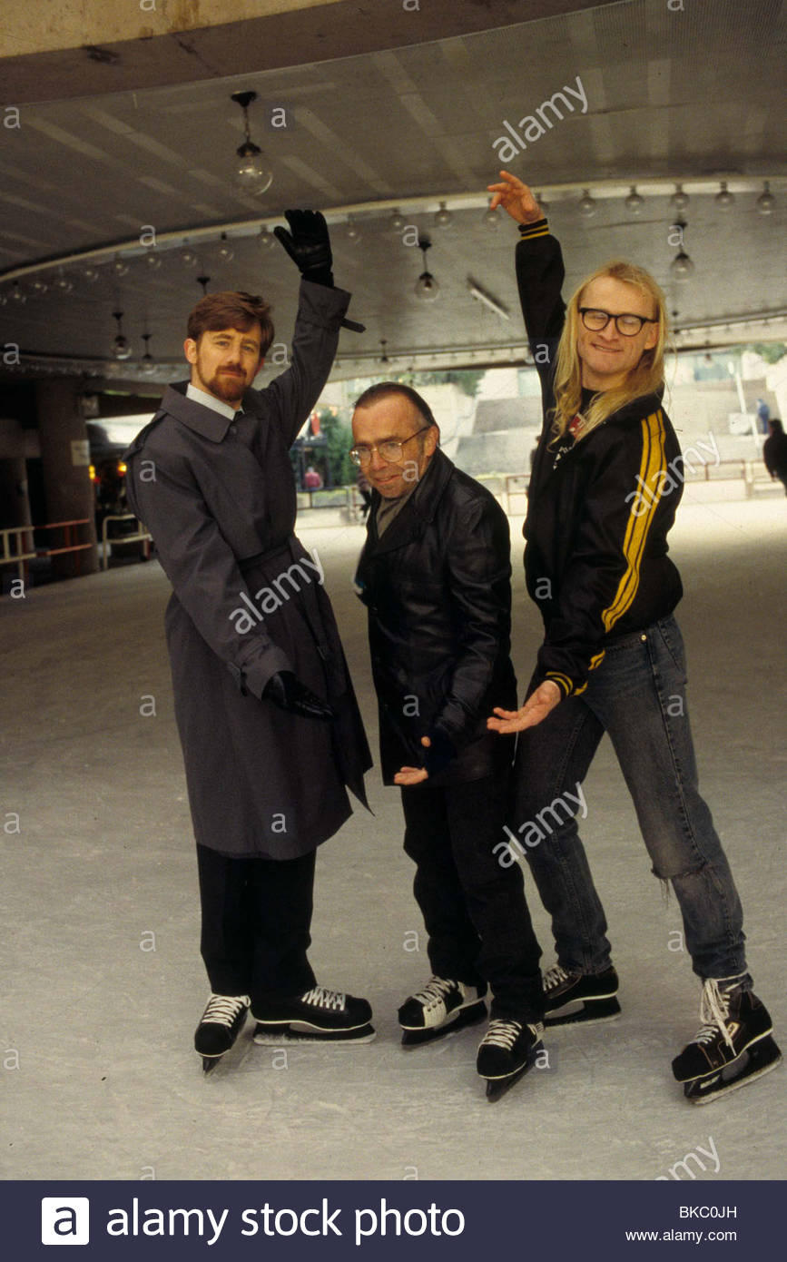 THE X-FILES (TV) BRUCE HARWOOD, TOM BRAIDWOOD, DEAN HAGLUND XFIL 243 - Stock Image