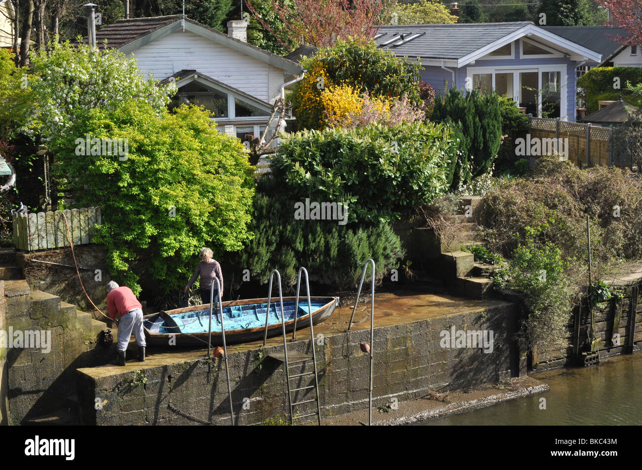 Eel Pie Islanders with boat near Twickenham London England UK - Stock Image
