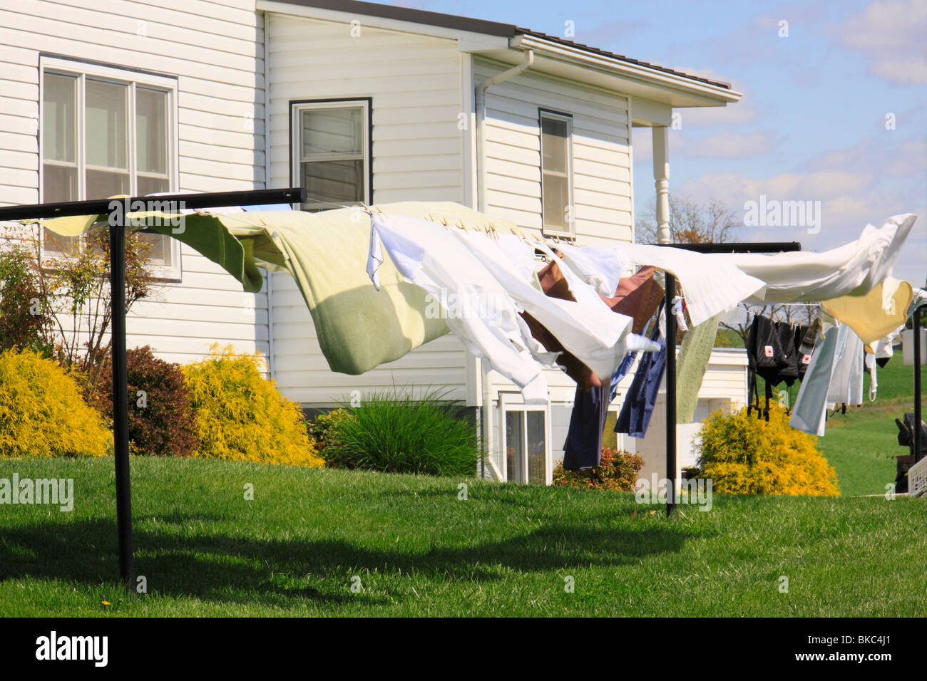 Laundry Drying in the Breeze, Mennonite Farm, Shanandoah Valley, Dayton, Virgnia, USA - Stock Image