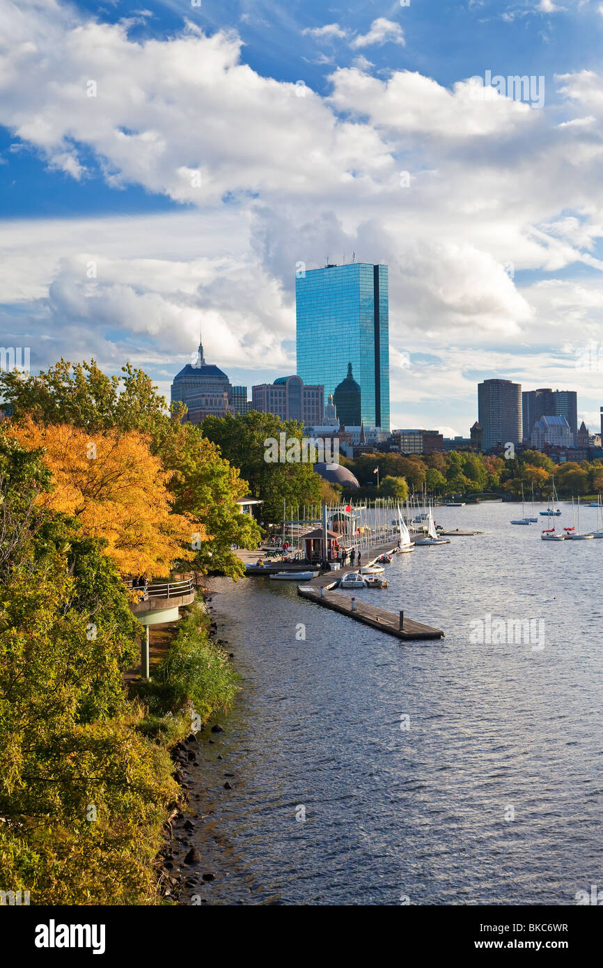 USA, Boston, Massachusetts, skyline viewed over the Charles river, Beacon Hill and downtown - Stock Image