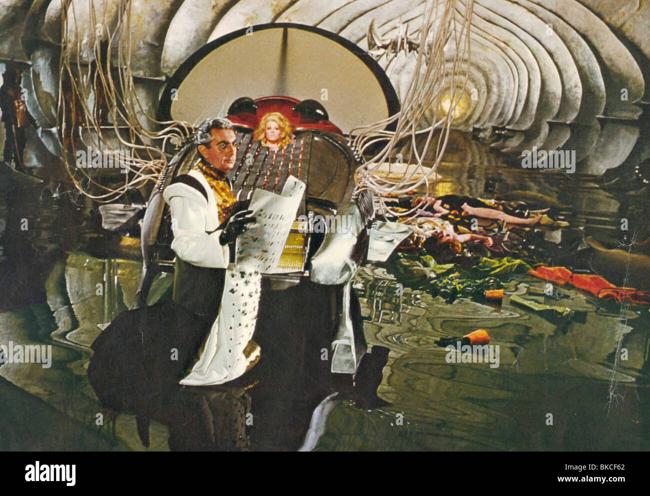 BARBARELLA (1967) MILO O'SHEA, DURAND DURAND, JANE FONDA, BARBARELLA BRB 001FOH - Stock Image