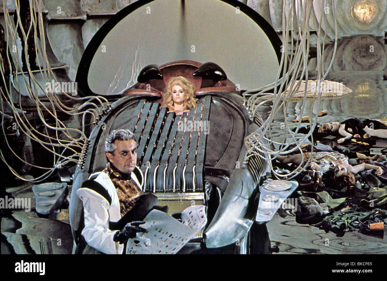 BARBARELLA (1967) MILO O'SHEA, DURAND DURAND, JANE FONDA, BARBARELLA BRB 032 Stock Photo