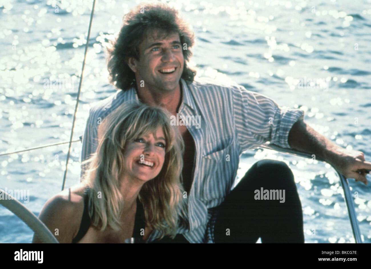 BIRD ON A WIRE (1990) MEL GIBSON, GOLDIE HAWN BOW 002 Stock Photo ...
