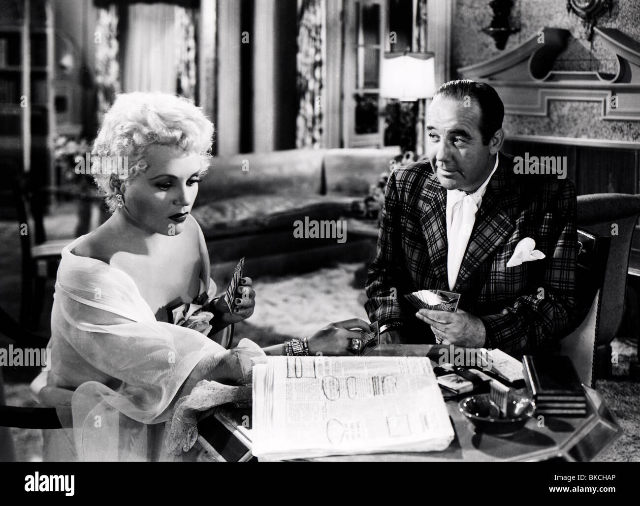 BORN YESTERDAY (1950) JUDY HOLLIDAY, BRODERICK CRAWFORD BYDY 004P - Stock Image