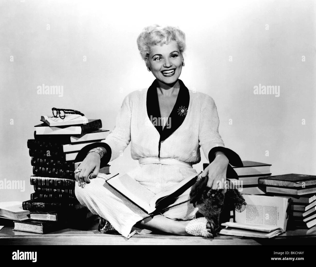 BORN YESTERDAY (1950) JUDY HOLLIDAY BYDY 006P - Stock Image