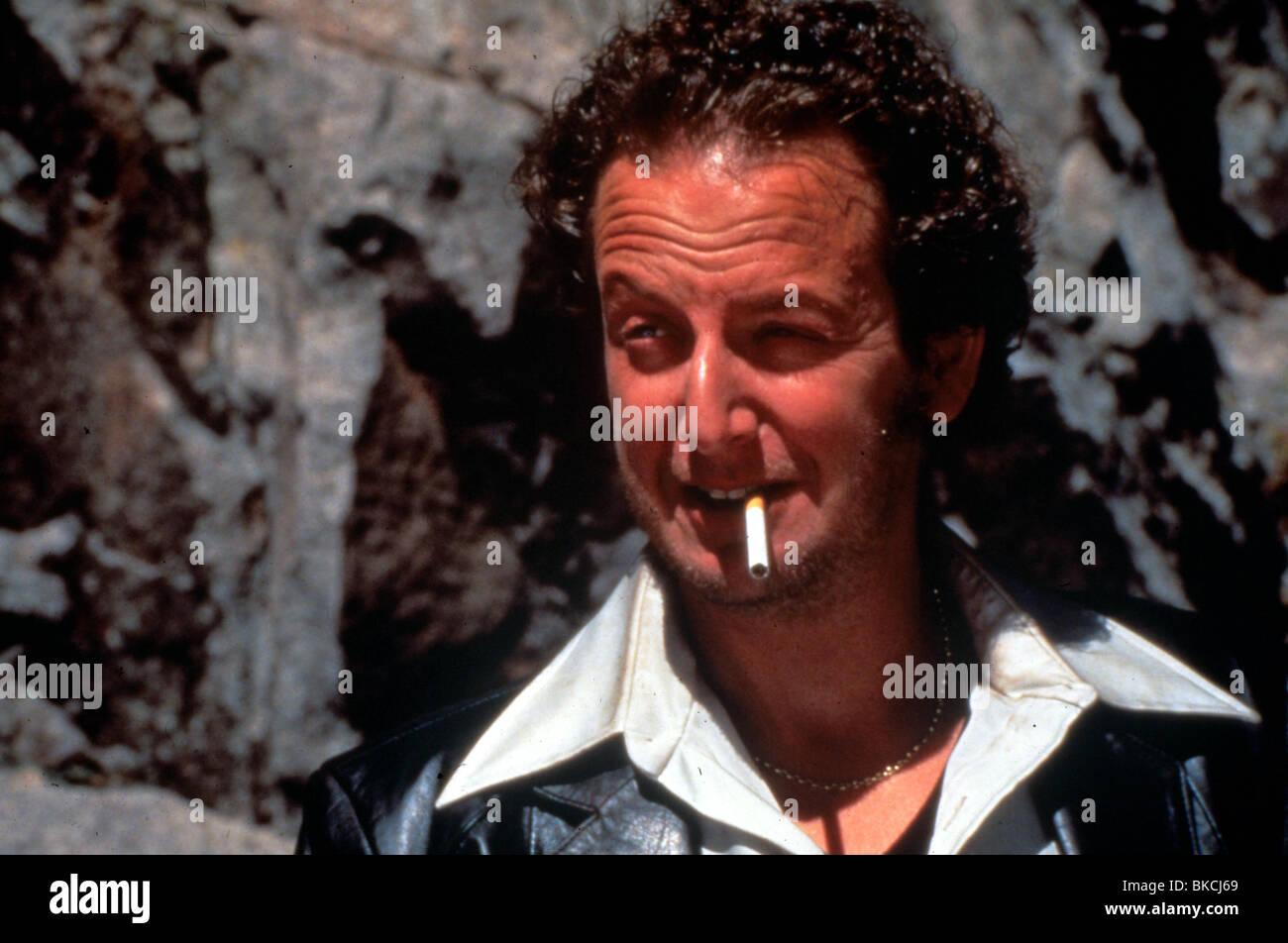 Daniel Stern en fumant