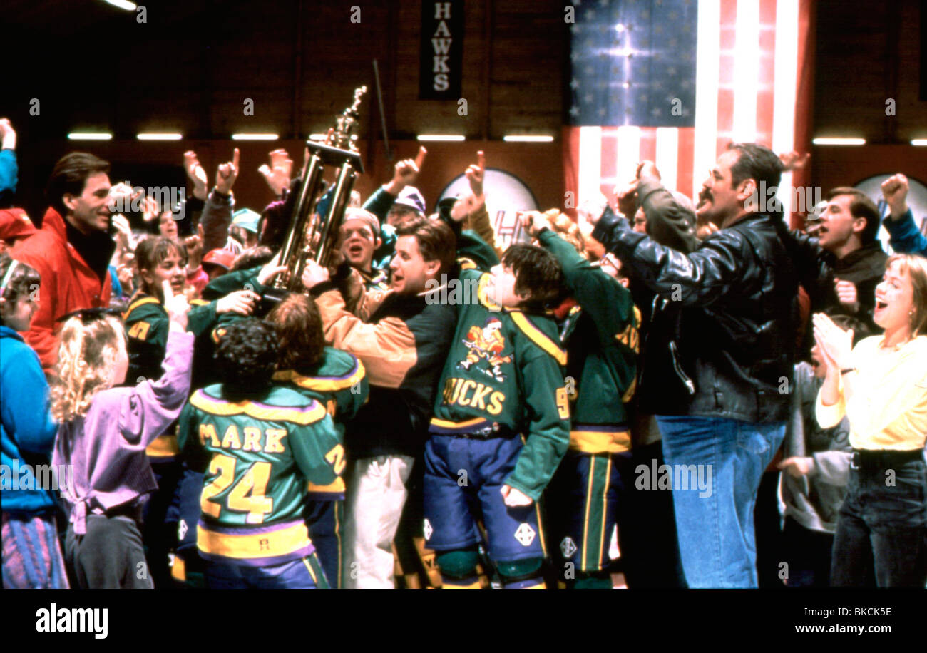 CHAMPIONS (1992) THE MIGHTY DUCKS (ALT) EMILIO ESTEVEZ CHMP 032 - Stock Image