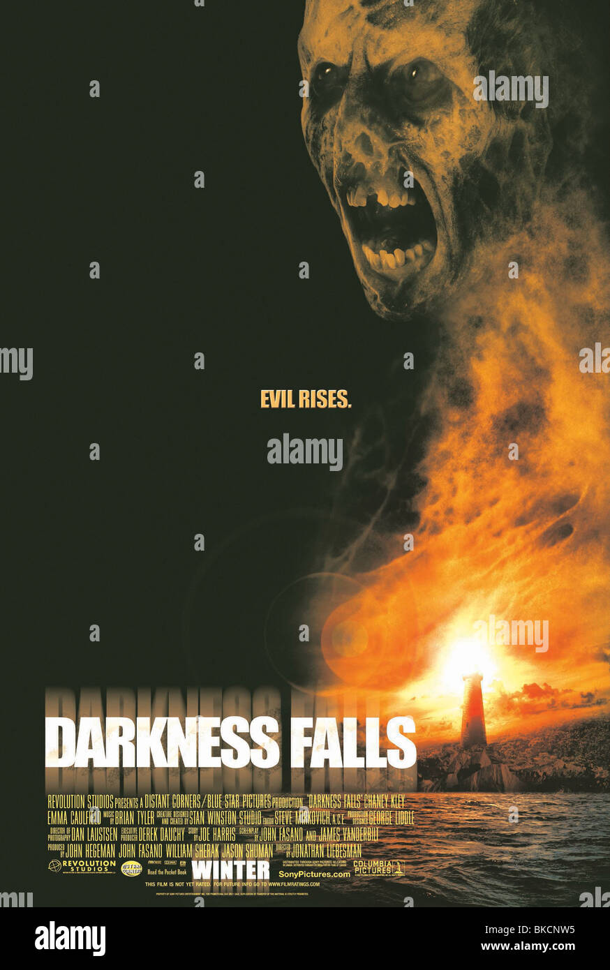 DARKNESS FALLS (2003) POSTER DAFA 001-POST - Stock Image