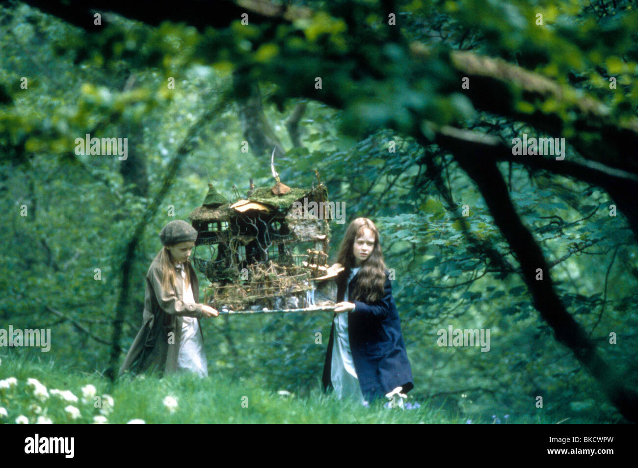 FAIRYTALE - A TRUE STORY (1998) ELIZABETH EARL, FLORENCE HOATH FATS 044 - Stock Image