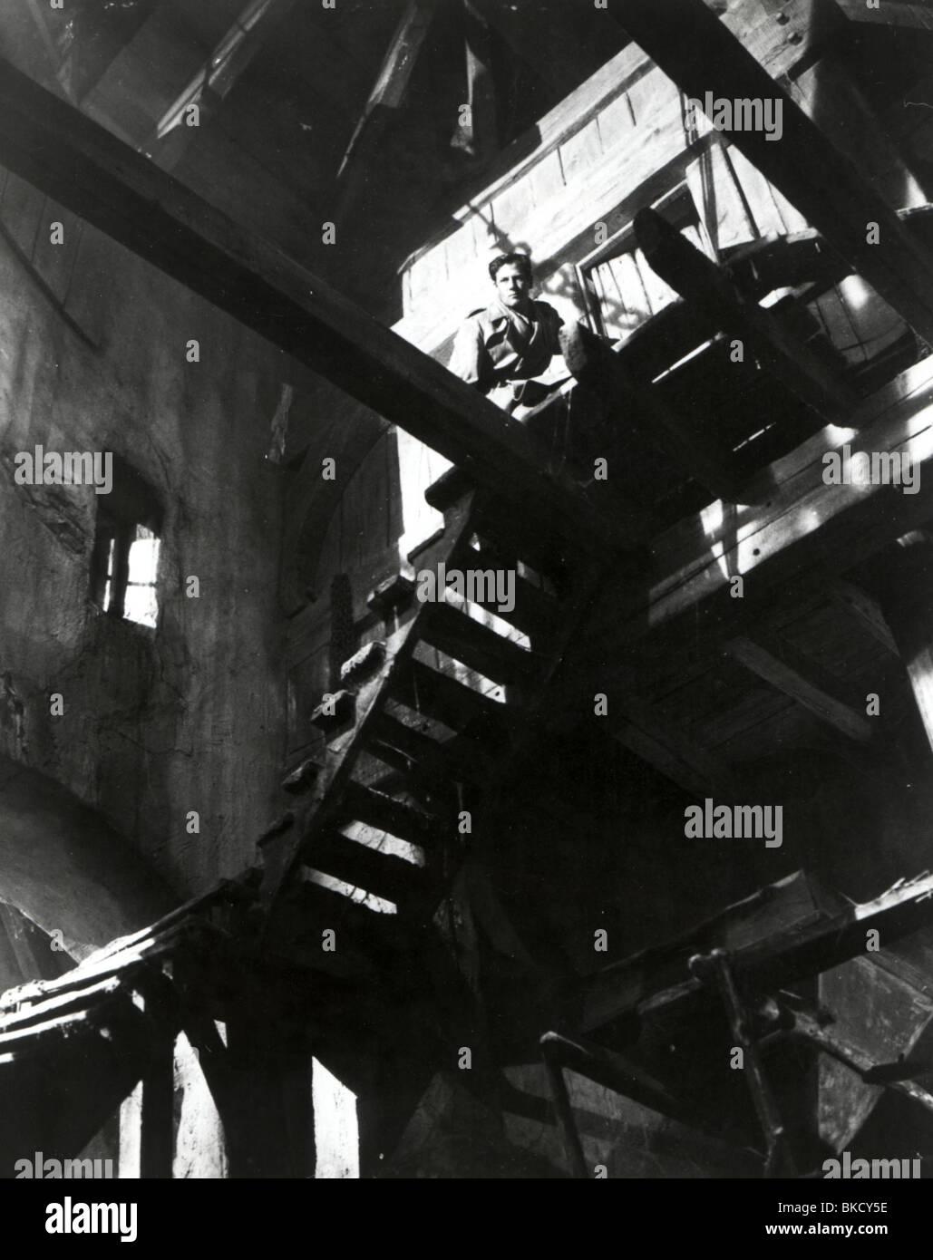 FOREIGN CORRESPONDENT (1940) JOEL MCCREA FRCS 002P Stock Photo