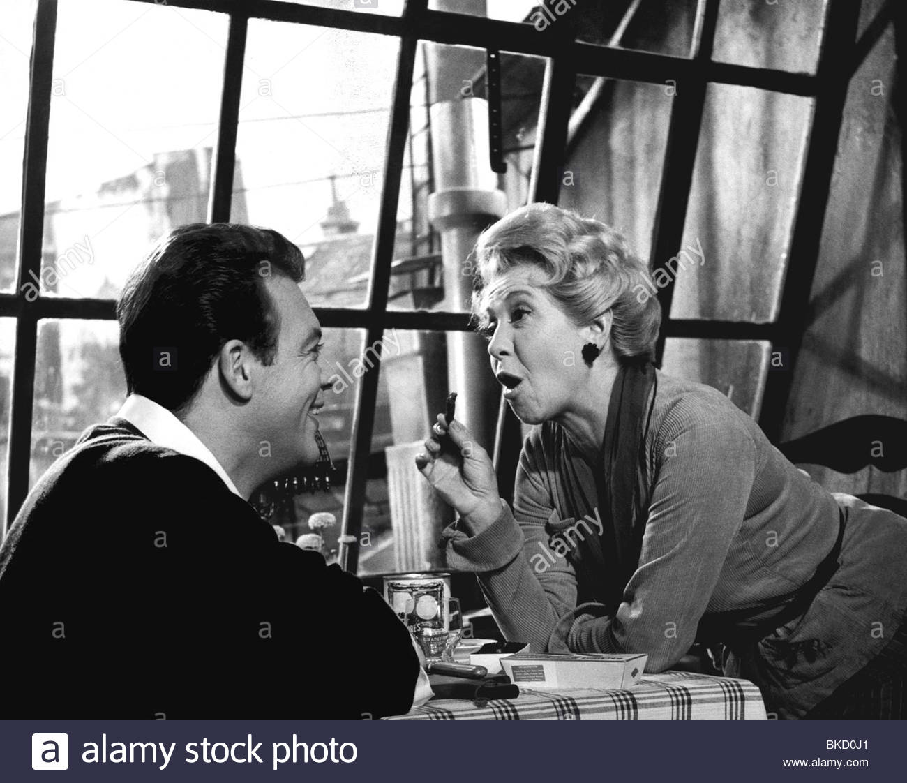 Meysel, Inge, 30.5.1910 - 10.7.2004, German actress, half length, with Klaus Juergen Wussow, scene from the movie - Stock Image