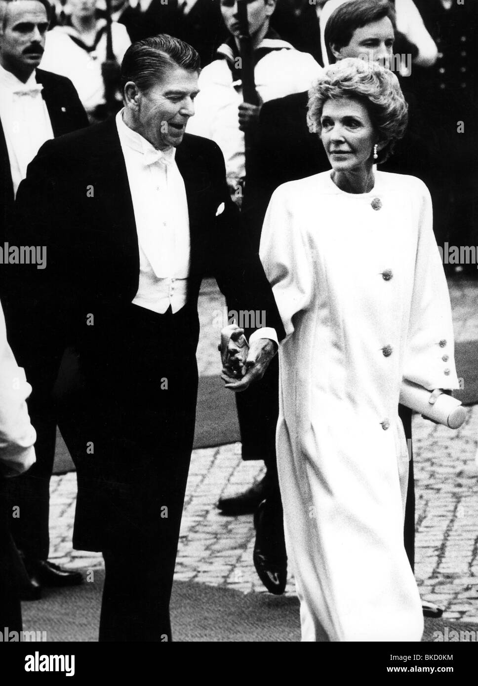 Reagan, Ronald, 6.2.1911 - 5.6.2004, US actor, politician, half length, with his wife Nancy during their state visit - Stock Image