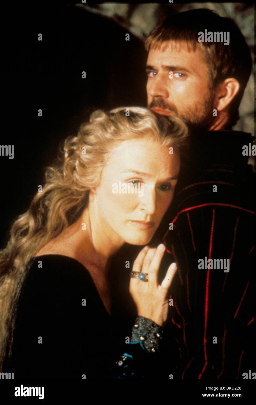 HAMLET (1991) GLENN CLOSE, MEL GIBSON HAM 081 Stock Photo