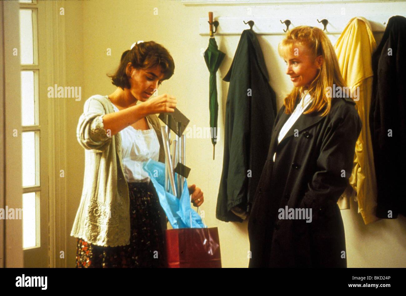 the hand that rocks the cradle 1991 annabella sciorra