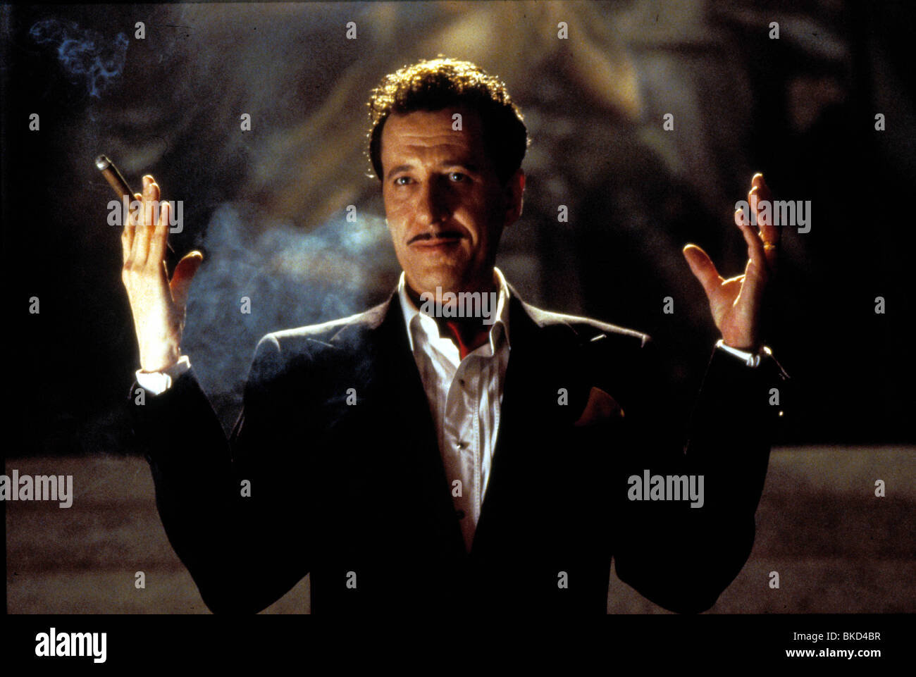 THE HOUSE ON HAUNTED HILL (1999) GEOFFREY RUSH HHI 002 - Stock Image