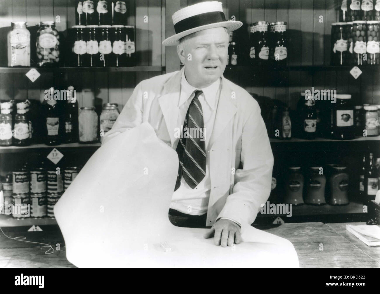 It S A Gift 1934 W C Fields Stock Photo Alamy