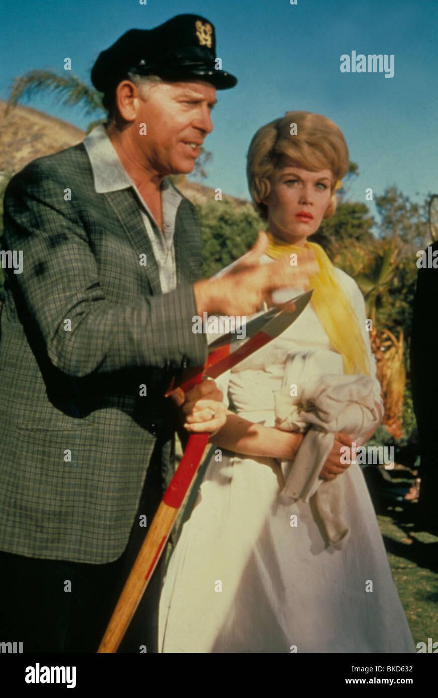 IT'S A MAD MAD MAD MAD WORLD (1963) MILTON BERLE IMMW 004 L - Stock Image